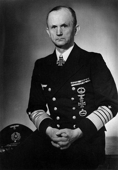 Almirante Karl Dönitz, jefe de submarinos