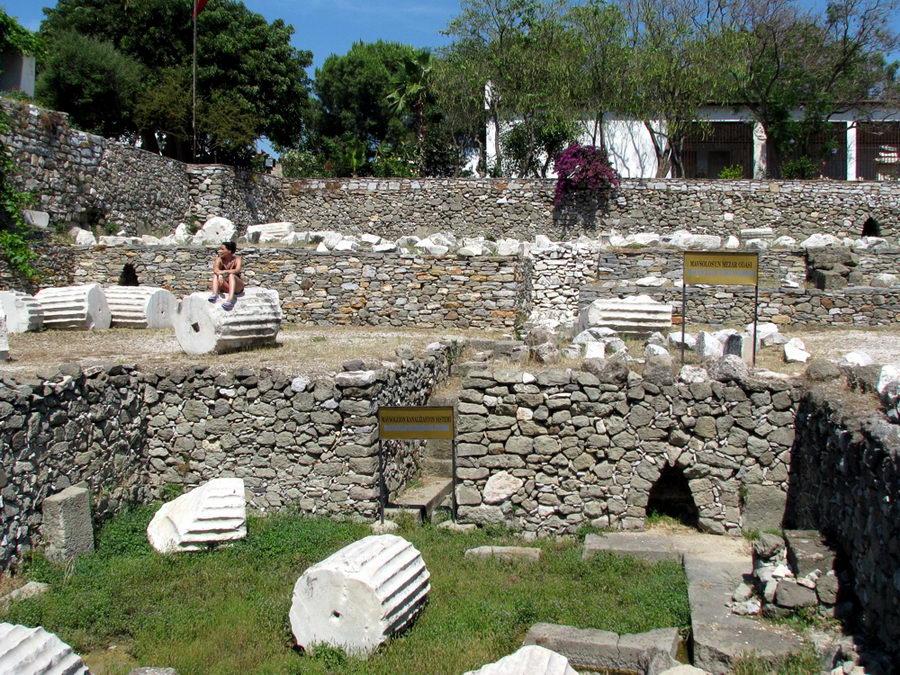 Ruinas del Mausoleo - Curiosidades de la Historia