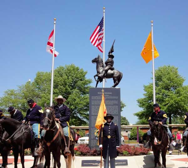Monumento Soldados Bufalo - Curiosidades de la Historia