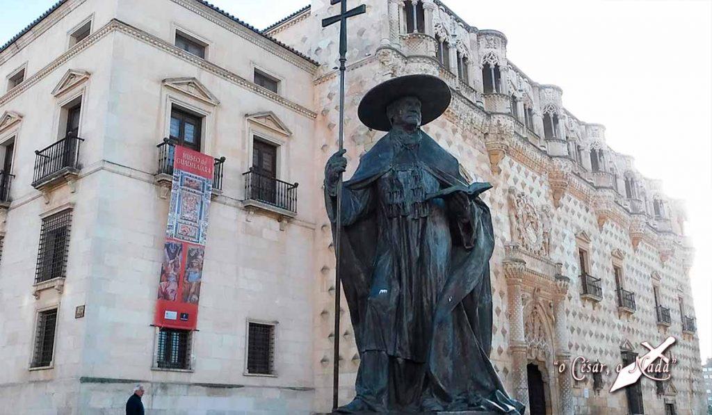 escultura cardenal mendoza
